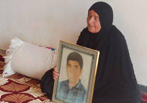 دیدار با مادر شهید/ادای احترام به مقام شهید+تصاویر