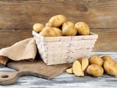 ۸ دلیل شگفتانگیز برای نوشیدن آب سیبزمینی خام